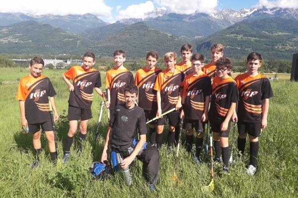 Les U17 avec leurs nouveaux maillots